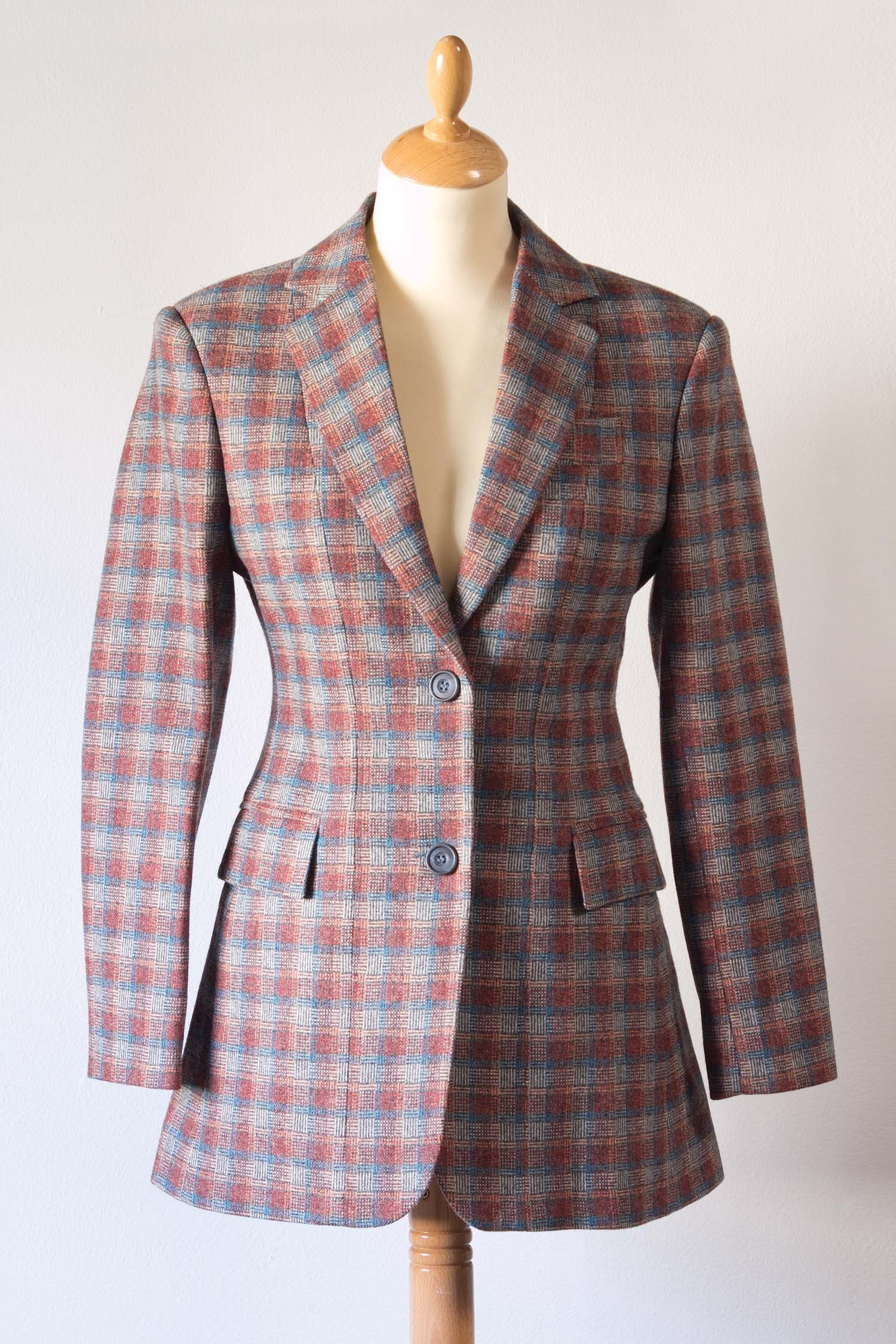 Cable Hut Tweed Hacking Jacket Puffin