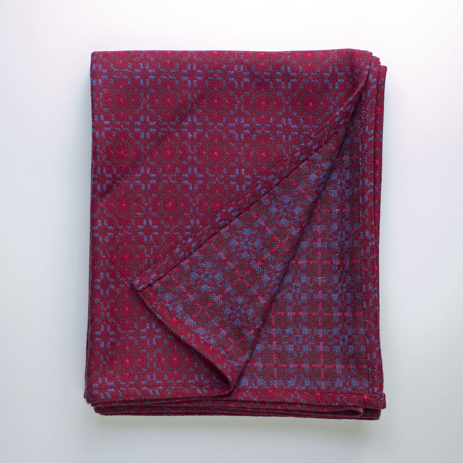 Vintage rose redberry throw