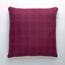 Vintage rose redberry cushion