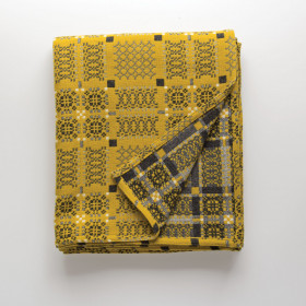 Knot Garden throw & blankets Gorse