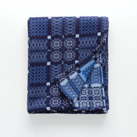 Knot Garden throw & blankets Indigo