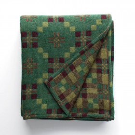 St Davids Cross throw & blankets Pine