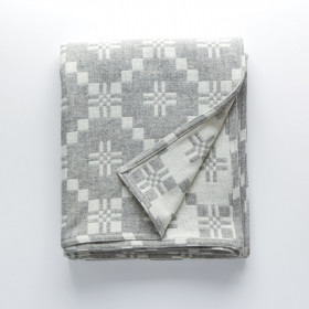 St Davids Cross throw & blankets Silver