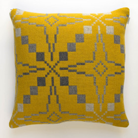Vintage Star Cushion Gorse