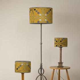 Vintage star Oval lampshade Gorse
